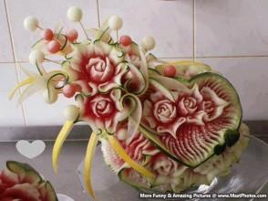Stunning-Art-On-Watermelon