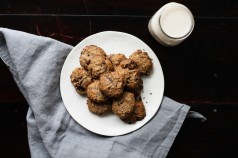 gluten-free-cookies-tigernut-chocolate-chip-cookies