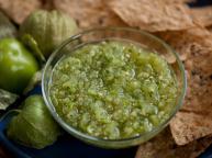 CC_Green-Tomatillo-Salsa_s4x3.jpg.rend.hgtvcom.1280.960