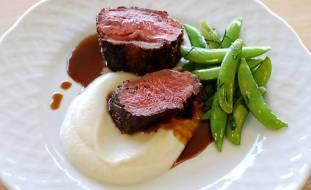 sumac-crusted-lamb-loin-with-cauliflower-puree-recipe_HomeMedium